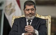 «محمد مرسی» دست به اعتصاب غذا زده است