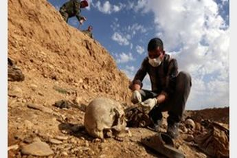 گور دسته جمعی 1500 نفره در سوریه کشف شد