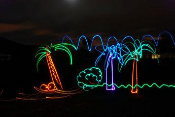 نقاشی های بسیار زیبا با استفاده از نور و دوربین / فیلم