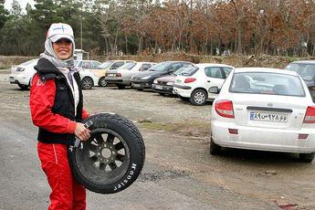 این کلیپ را ببینید و بعدا راجع به رانندگی خانمها نظر بدهید / فیلم