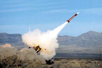پایگاه هوایی ملک سلمان ریاض هدف یک فروند موشک «برکان ۲» قرار گرفت