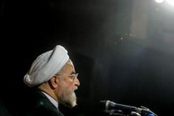 درس تاریخ به روحانی، دولت آمریکا همیشه خیانت میکند