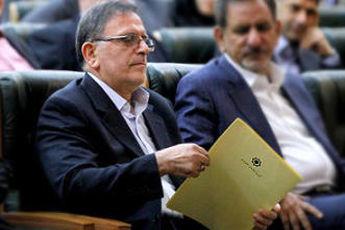 ذخایر ارزی را حراج نمی کنیم / چگونگی بازگشت آرامش به اقتصاد ایران