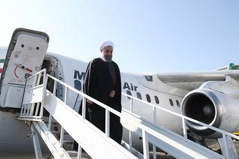 دکتر روحانی به شکرانه این پیروزی به زیارت امام رضا رفت