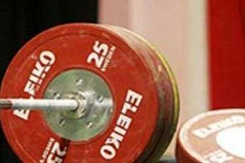 شنبه برای بررسی وضعیت وزنه بردار دوپینگی جلسه می گذاریم