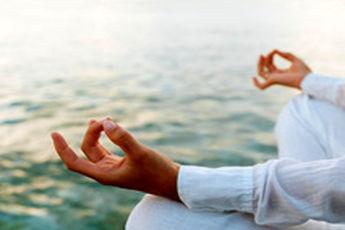 یوگا برای کاهش کمر درد مفید است