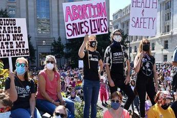 ده ها هزار زن برای حقوق سقط جنین در آمریکا راهپیمایی کردند