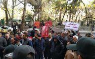 تجمع پیمانکاران مقابل ساختمان شورای تهران