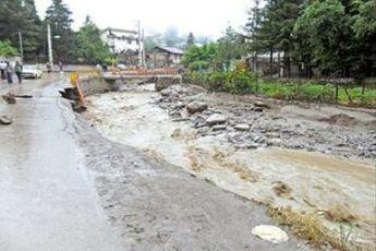 پاکسازی حاشیه رودخانه کرج آغاز شد